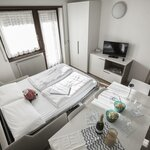 Photo of Completely renovated 2-bedroom apartment for 6 people with balcony (45 sqm)